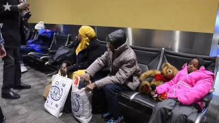 Download Somali refugees finally arrive at new home in Kansas City Video