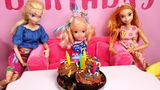 Download Elsa's BIRTHDAY - Special guests ! Elsa & Anna toddlers - party - pinata - Barbie - cake - gifts Video