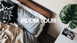 Download Room Tour / Desk & Closet Tour 2017 / Minimal + Modern Video