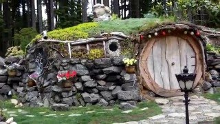 Download 242 0647 Ana's Hobbit house Video