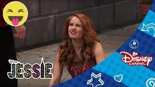 Download Světla, kamera, jedem! | 69. díl | Jessie | Disney Channel Česká Republika Video