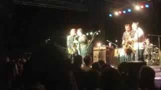 Download Chris Isaak & James Hunter Duet of ″Kansas City″ Video