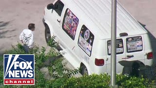 Download Mail bomb suspect identified as Cesar Sayoc Video