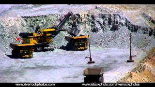 Download Giant shovels in open pit copper mine in Uath. Video