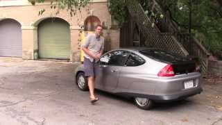 Download Hypermiling in a Honda Insight Video