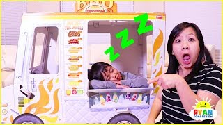 Download Ryan sleeping on Food Truck Playhouse Delivery Pretend Play!!! Video