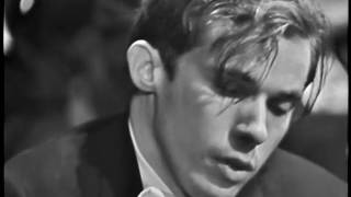 Download Glenn Gould and Leonard Bernstein: Bach's Keyboard Concerto No. 1 (I) in D minor (BWV 1052) Video