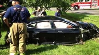 Download Tesla Model S - Incredible and Unbelievable Accidents Compilation Video