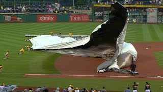 Download Cutch, Bucs help grounds crew control tarp Video