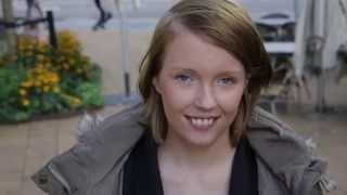 Download De unge mødre: Natascha Lineas nye smil Video