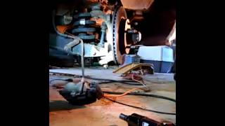 Download Ford f150 3 min lower ball joint removal Video