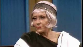 Download Gloria Swanson bitches about romanceless marriages Video