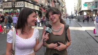 Download ″La donzelletta vien...di notte″ - I giovani conoscono le poesie italiane? Video