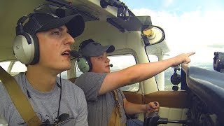 Download Flying through Houston Bravo Airspace: TRAFFIC EVERYWHERE! Video