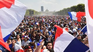 Download France v Croatia : Celebrations in Paris as France win the World Cup - live! Video