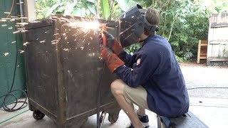 Download Breaking into a massive 1000lb Safe with a Plasma Cutter Video
