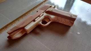 Download Pistola de madeira artesanal ( rubber band gun ). Video