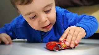 Download Relâmpago Mcqueen Carro de Brinquedo - Lightning Mcqueen Cars Disney Pixar Video