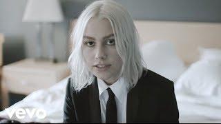 Download Phoebe Bridgers - Motion Sickness Video