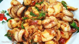 Download วิธีทำผัดกระเพราปลาหมึก ให้กรอบหอมไม่หดน้ำไม่นองเต็มจาน Thai Basil Squid Video