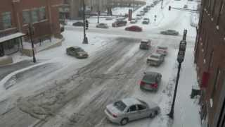 Download Cars sliding on Lake Ave. in Duluth, MN Video