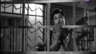 Download MGR in Kattithangam Vettiyeduthu - Thayai Katha Thanayan Video