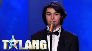 Download 17-åriga Ibrahim rör hela Talang-studion till tårar med sin tolkning av ″Stad i ljus″ Video