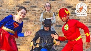 Download Little Superheroes 11 - The Inspector with Supergirl, Batman and the Flash Video