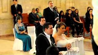 Download Papá sorprende a novia cantando en su boda Ave María Video