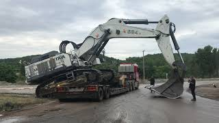 Download Transporting The 125 Tones Liebherr 984 By Side Video