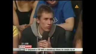 Download Donald Tusk Bardzo Mocno masakruje małego pazernego kuca. Video