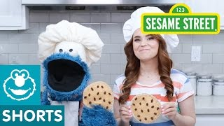 Download Sesame Street: Rosanna Pansino and Cookie Make a Snack! Video