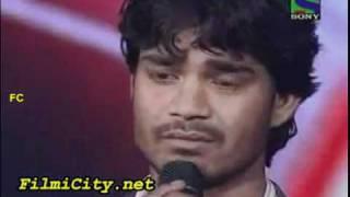 Download Sonu Nigam gets emotional from Visal Srivastav singing.mp4 Video