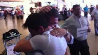 Download Father and son reunion after 24 years. Reunião pai e filho após 24 anos. Video