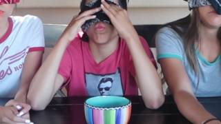 Download GUM CHALLENGE WITH JENNA AND ALIYAH!! Video