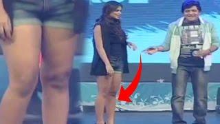 Download పైన కోటు, కింద నిక్కరు వేసింది - Ali Double Meaning Dialogues On Anchor - Telugu Comedy Scenes Video