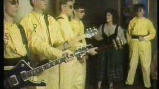 Download ″Fridays TV Show″ (1980) [Show F-10] Devo - ″Uncontrollable Urge″ (Live) [10 of 10] Video