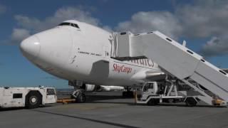 Download Emirates SkyCargo takes Emirates Team New Zealand's boat to the skies Video