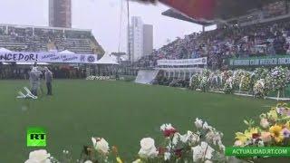 Download Homenaje a los jugadores fallecidos en el accidente de avión del Chapecoense Video
