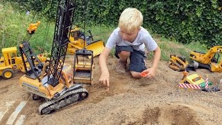 Download BRUDER TOYs Tunnel LONG PLAY! Truck recovery in Jack's bworld CONSTRUCTION Video