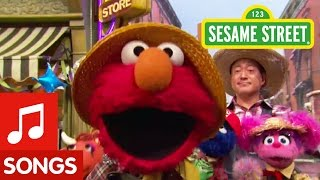 Download Sesame Street: Elmo Sings Old Macdonald Had a Farm Video