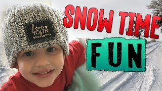 Download HUGE SNOWBALL FIGHT DAD VS. KIDS Video