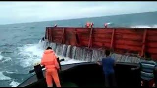 Download mengerikan!!yang mau jadi pelaut, lihat dulu ini. Video
