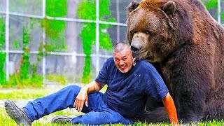 Download 9 CRAZY COOL Animal Trainers Video