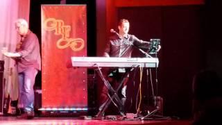 Download Purple Rain covered by Jonathan Jackson Video