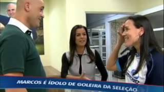 Download Goleira da seleção feminina de futebol realiza o sonho de conhecer Marcos Video