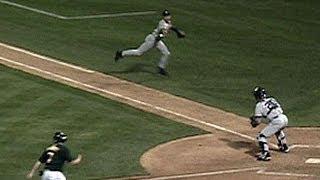 Download 2001 ALDS GM 3: Jeter makes ″The Flip″ Video