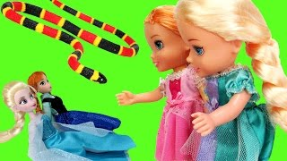 Download Elsa & Anna TURN small ! - Will they turn back to normal ? Video