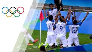 Download Honduran players pray on the pitch after progressing to the semi-finals Video