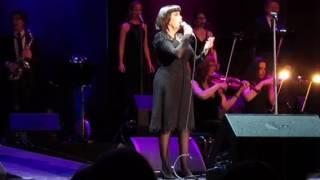 Download Mireille Mathieu, Il faur croire Video